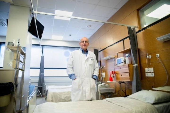 Ortopedi Urho Väätäisen asiantuntemukseen ovat turvautuneet niin huippu-urheilijat kuin tavalliset kansalaiset.
