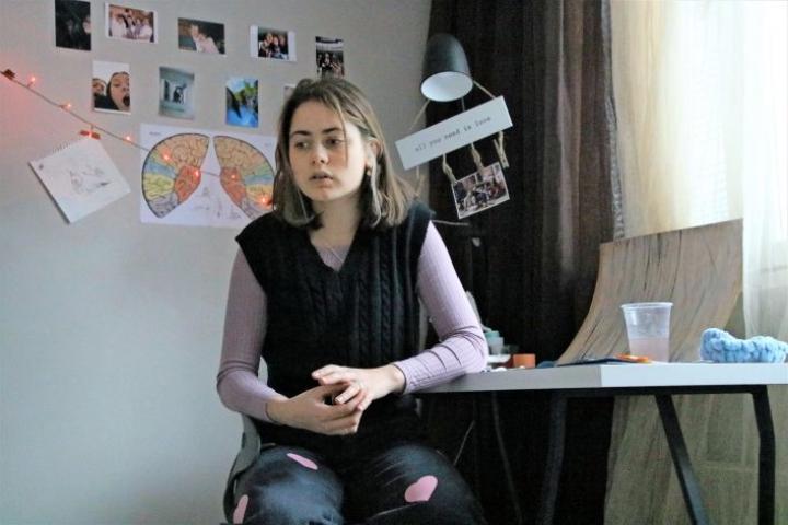 Lahdenpohjasta kotoisin oleva Marina Pozern opiskelee Kiteellä lukiossa ensimmäistä vuotta. Hän harrastaa useita taideaineita ja haluaa lukion jälkeen jatkaa opiskelua Suomessa.