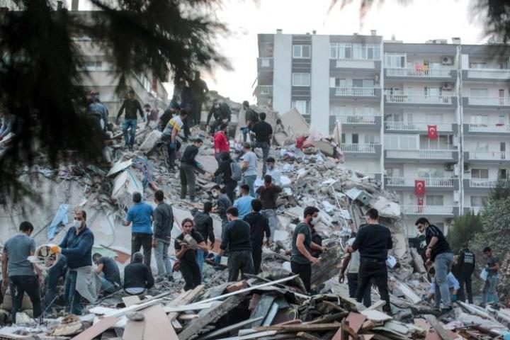 Maanjäristys aiheutti tuhoa Turkissa ja Kreikassa. LEHTIKUVA/AFP