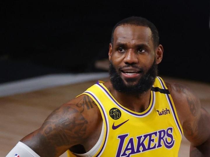 LeBronin edustama Lakers eteni jatkoon NBA:n pudotuspeleissä ja saa seuraavaksi vastaansa joko Houston Rocketsin tai Oklahoma City Thunderin. LEHTIKUVA/AFP