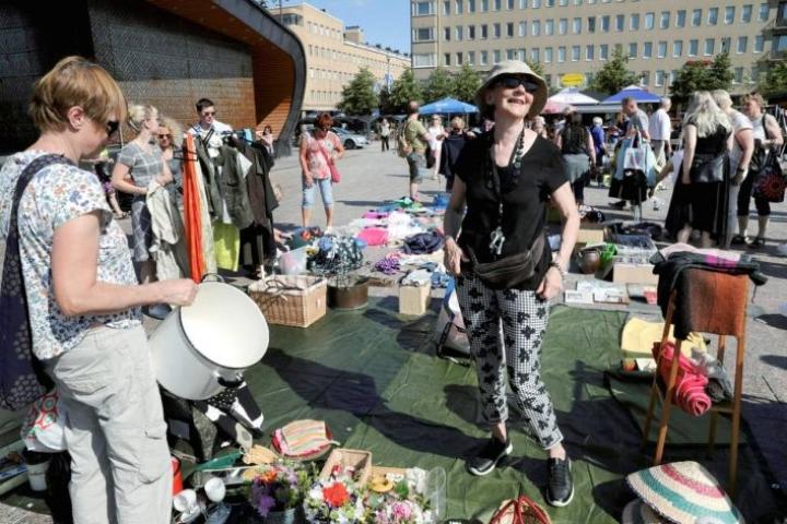 Lea Soininen oli Virta-kirpparilla myymässä ensimmäistä kertaa heinäkuussa.