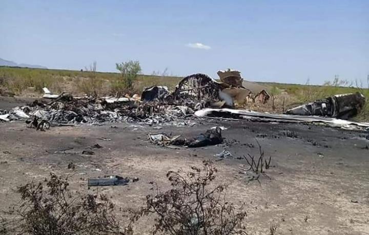 Meksikon viranomaiset julkistivat kuvan pahoin palaneesta turmakoneen hylystä, joka löydettiin maan pohjoisosista. LEHTIKUVA/AFP/HANDOUT