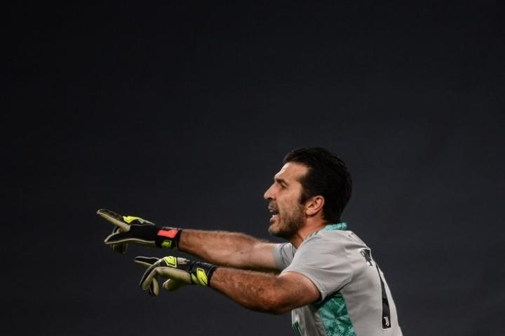 Buffon pelasi ensimmäiset pelinsä Juventuksessa vuonna 2001 ja on edustanut seuraa siitä lähtien lukuun ottamatta yhden kauden visiittiä ranskalaisseura PSG:ssä LEHTIKUVA/AFP