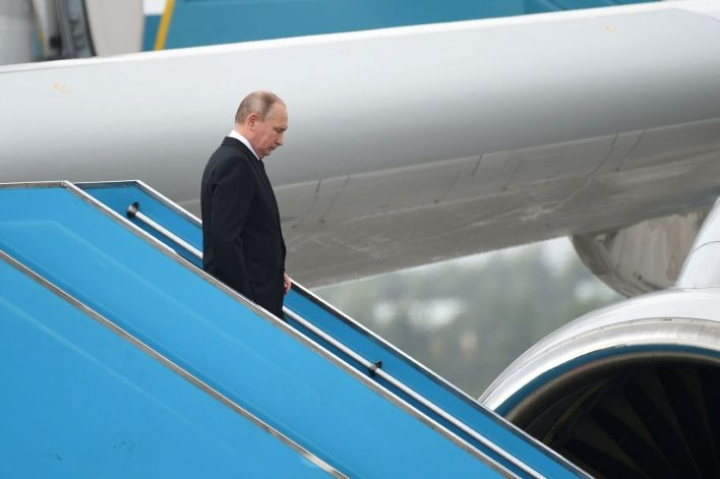 Vladimir Putin ja Donald Trump osallistuvat molemmat tänään Vietnamissa järjestettävään huippukokoukseen. Epäselvää on, tapaavatko presidentit kahden kesken.