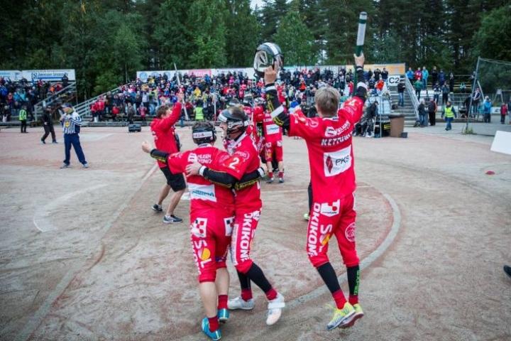 Joensuun Maila kasvatti viime kaudella runkosarjassa yleisökeskiarvoaan 235 hengellä. JoMan kausi päättyi jälleen pronssijuhliin.