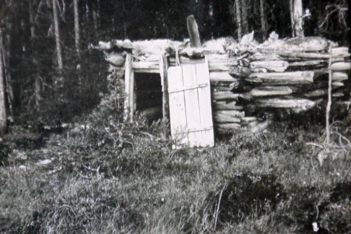 Partio löysi veljekset saunalta, josta 1960-luvulla oli jäljellä vielä tämän verran.