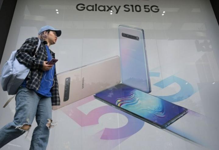 Samsung esitteli uuden 5g-älypuhelimensa aiemmin tässä kuussa. LEHTIKUVA/AFP