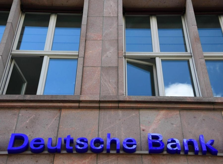 Yhdysvaltain viranomaiset hakevat Deutsche Bankilta jopa 12,5 miljardin euron korvauksia. Vaade liittyy vuoden 2008 asuntolainakriisiin. LEHTIKUVA/AFP