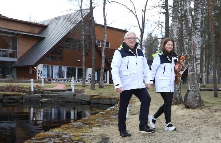 Julianna Borsos ja Kyösti Kakkonen ovat olleet naimisissa viisi vuotta.