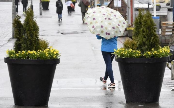 Sää on tänään suuressa osassa maassa Pohjois-Lappia lukuun ottamatta harmaa, pilvinen ja epävakainen, kerrotaan Ilmatieteen laitokselta. LEHTIKUVA / Heikki Saukkomaa