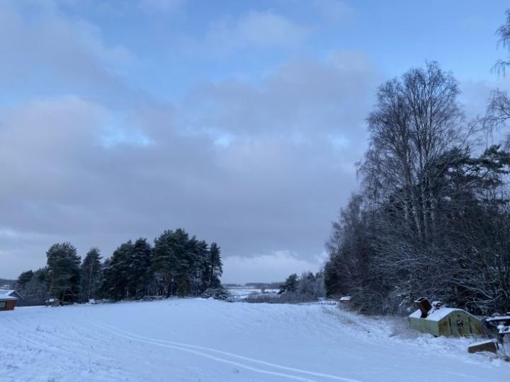 Loppuvuosi saatiin viettää lumisissa maisemissa, vaikka lunta ei vielä Joensuun seudulla ole kuin 10 senttiä.