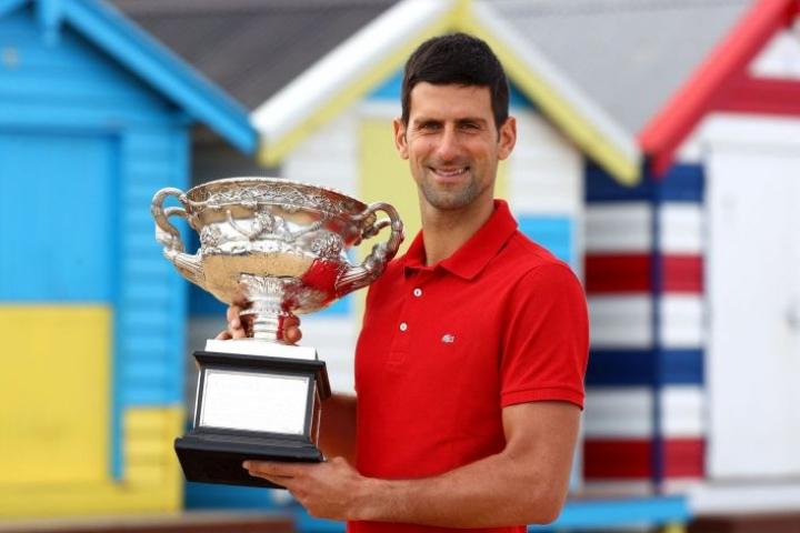 Djokovic nousi ensi kertaa maailmanlistan kärkeen heinäkuussa 2011, 24-vuotiaana Wimbledon-voittajana. LEHTIKUVA /AFP