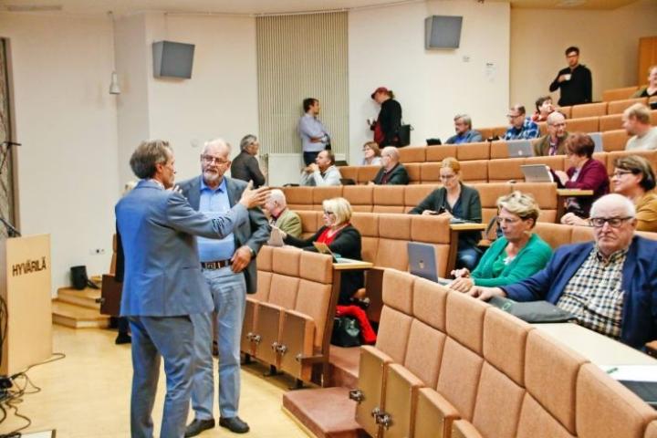 Arkistokuva Nurmeksen valtuuston kokouksesta viime syyskuulta.