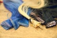 Pitkän ja tuuhean tukan saa hiustenpidennyksellä yhä helpommin