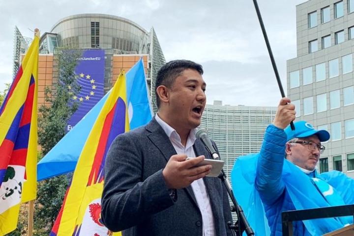 Harri Uyghur on edelleen Suomen kansalainen, mutta oleskelee pääasiassa ulkomailla kampanjointityönsä vuoksi. Kuva Brysselistä.