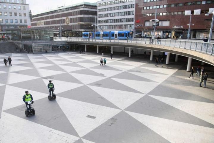 Koronavirustartunnan on Ruotsissa saanut tähän mennessä reilut 6800 ihmistä. Lehtikuva/AFP