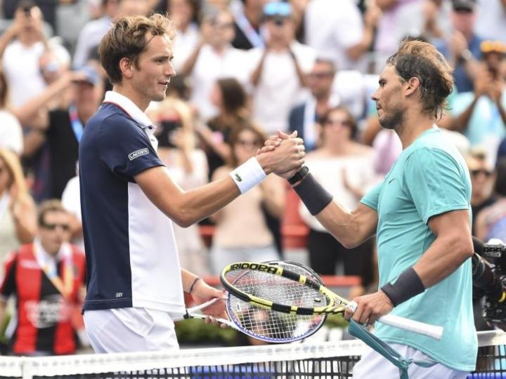 Nadal kaatoi finaalissa venäläisen Daniil Medvedevin tyylipuhtaasti 6–3, 6–0. LEHTIKUVA/AFP
