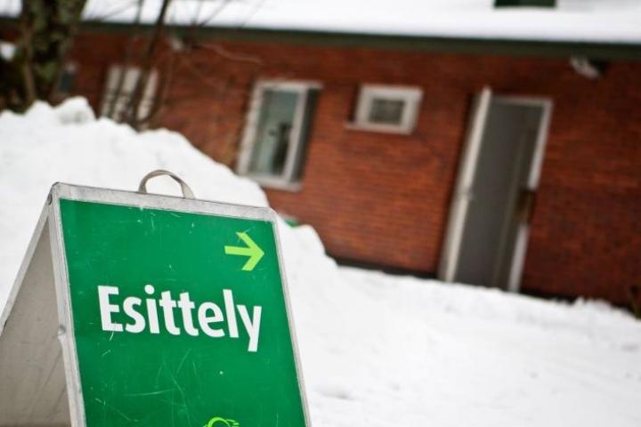 Asuntokaupoilla kannattaa tinkiä. Hintaa voi saada paljon alaspäin.