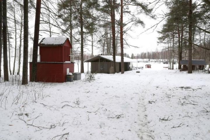 Hasanniemen kaavasta on väännetty Joensuussa jo pitkään. Arkistokuva Hasanniemen kesäteatterin tontilta.