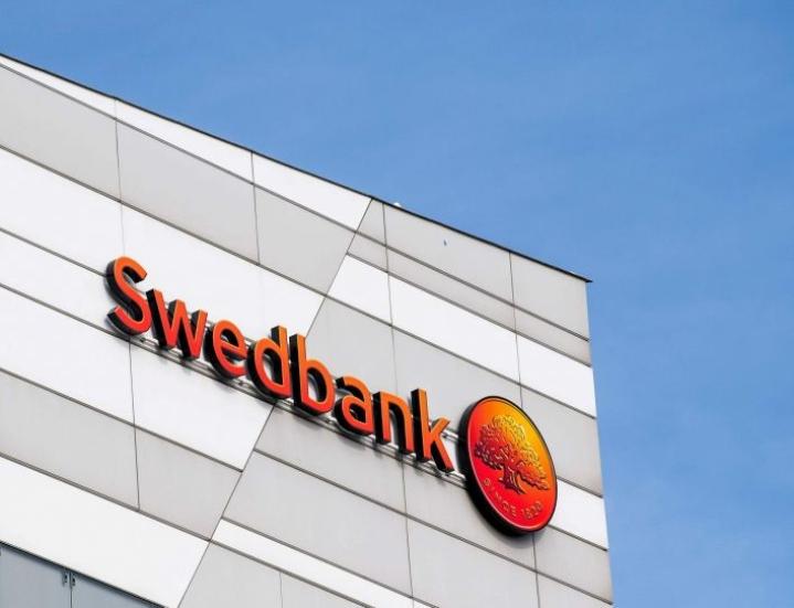 Tutkintapyynnön mukaan Swedbankin tileiltä olisi tehty rahanpesuun liittyviä tilisiirtoja 176 miljoonan dollarin edestä. LEHTIKUVA/AFP