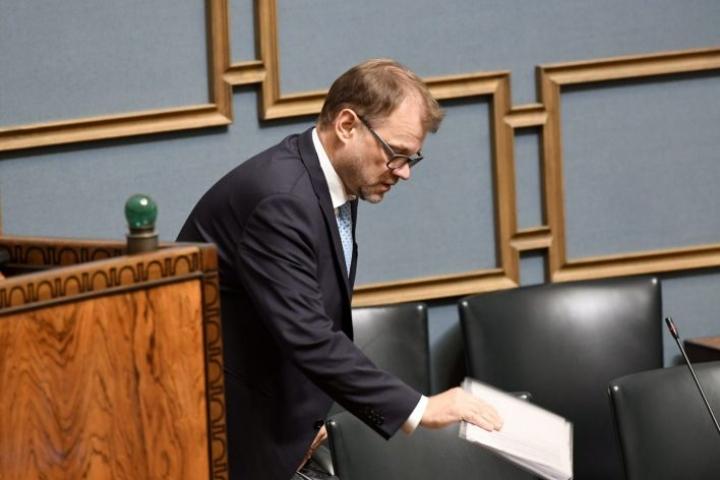Pääministeri Juha Sipilä (kesk.) eduskunnan täysistunnossa tiistaina. LEHTIKUVA / HEIKKI SAUKKOMAA