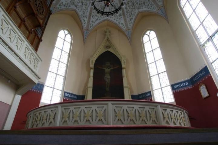 Joensuun seurakuntien kirkoissa jumalanpalveluksiin on mahdollista osallistua kesäkuun alusta alkaen. Kuvituskuva