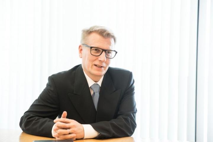 Kimmo Tiilikainen valmistui Joensuun yliopistosta metsänhoitajaksi vuonna 1991.