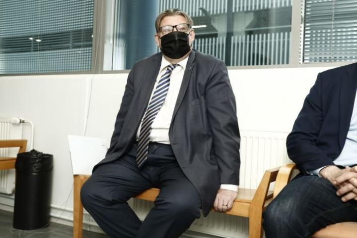 Itä-Uudenmaan käräjäoikeudessa käsitellään tänään entiseen ulkoministeriin Timo Soiniin kohdistunutta pahoinpitelyn yritystä. LEHTIKUVA / Mikko Stig