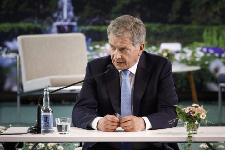 Presidentti Sauli Niinistö Naantalin Kultarannassa. LEHTIKUVA / RONI REKOMAA