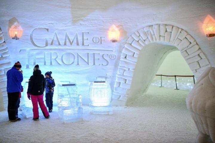 Kittilässä Game of Thrones -fanit ovat päässeet vierailemaan sarjan henkeen rakennetussa jäähotellissa. LEHTIKUVA / AKU HÄYRYNEN