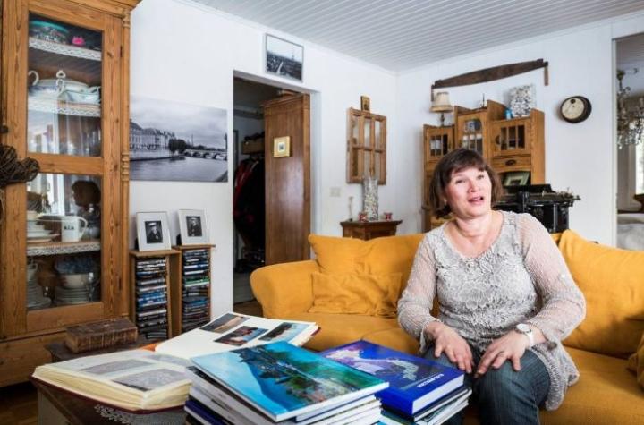 Kuvakirjoja on ehtinyt kerääntyä iso pino vuodesta 2008. Pariisista on kolme kirjaa, ja matkoja sinne on takana kahdeksan.  - Se on lempikaupunkejamme, mutta viimeisimmän reissun jälkeen päätimme, että nyt pidetään pidempi tauko, Ulla Ollikainen sanoo.