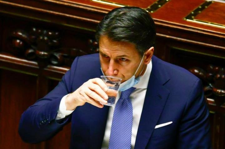 Italian hallitus on ollut kriisissä sen jälkeen, kun pienpuolue Italia Viva vetäytyi hallituksesta viime viikolla. Kuvassa pääministeri Giuseppe Conte. LEHTIKUVA/AFP