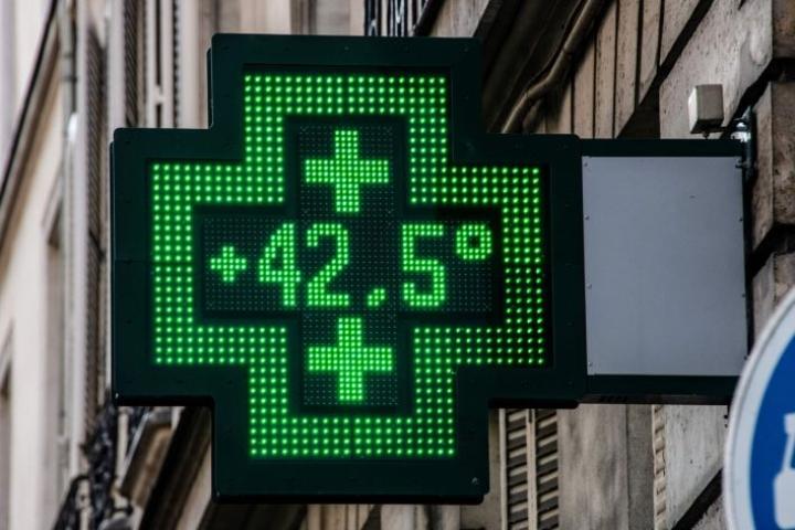 Lämpöennätyksiä rikottiin viime kuussa ympäri Eurooppaa, ja myös pohjoisella napapiirillä oli epätavallisen lämmintä. LEHTIKUVA / AFP