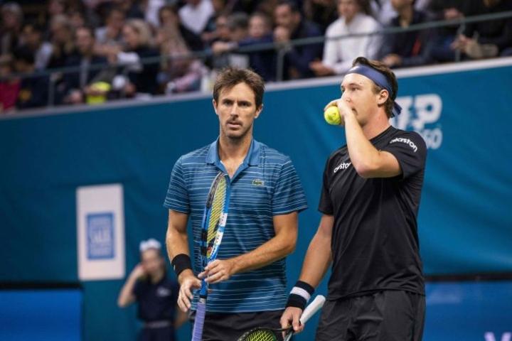 Kontinen (oikealla) otti ATP-turnausvoiton ranskalaisparinsa Roger-Vasselinin kanssa Montpellierissä. Lehtikuva/AFP