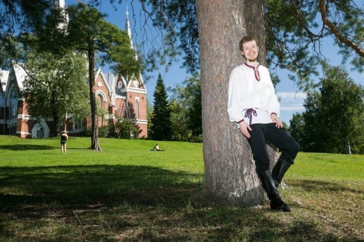 Mitja Pilke haluaa toimia tulevaisuudessa roolimallina nuorille kansantanssijoille.