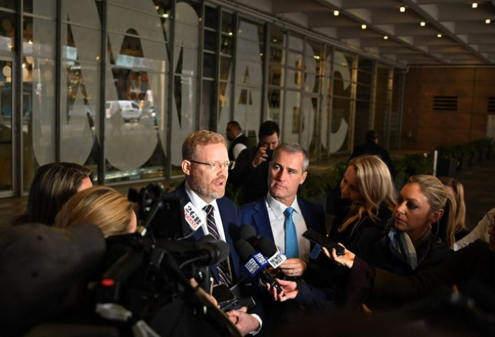 Poliisin ratsia liittyi arkaluonteisten asiakirjojen uutisvuotoon. ABC:n Craig McMurtrie puhui tapauksesta medialle Sydneyssä viime viikolla. LEHTIKUVA/AFP