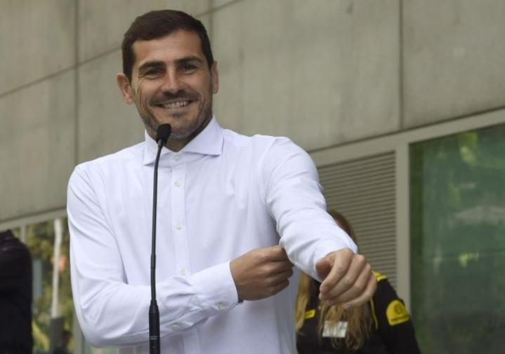 Sairaalasta päässyt Casillas arveli, että edessä on muutaman viikon tai kuukauden lepo. Lehtikuva/AFP