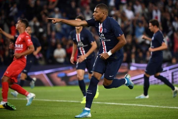 Kylian Mbappe vastasi PSG:n 2-0-osumasta. LEHTIKUVA/AFP
