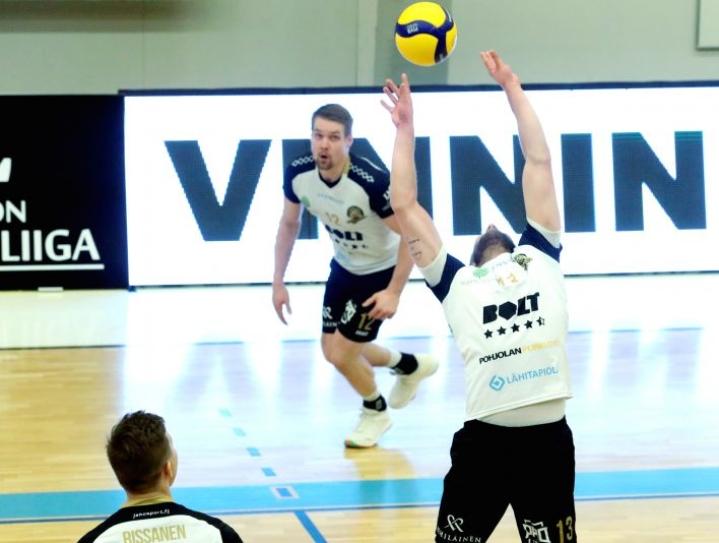 Joensuussa pitkään pelanneen passari Tuomas Karjalaisen, 29, pelaajaura päättyy tänään.