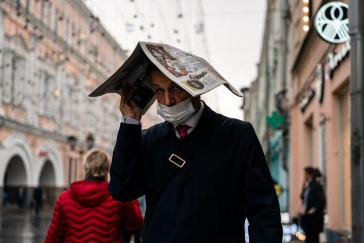 Venäjällä koronatartuntaluvut rikkovat jo kevään korkeimpia lukuja. LEHTIKUVA / AFP