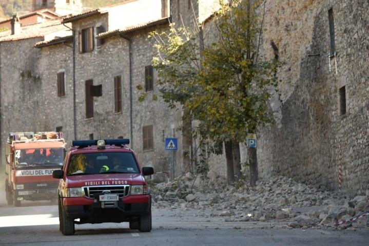 Järistyksen keskus oli pienen Norcian kaupungin lähellä Perugian maakunnassa, mutta vavahtelu tuntui satojen kilometrien päässä. LEHTIKUVA/AFP